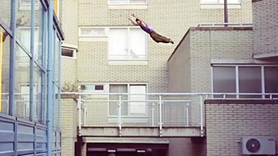 Freerunning over the streets/roofs of Amsterdam